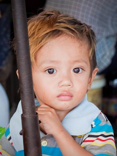 small child in cambodia